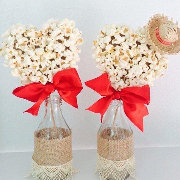 Bodas de Pipoca | Siga-nos no instagram @nossasbodas | E se a decoração para as bodas de pipoca entrar no clima de festa junina? Adoramos @eriemtabledecor