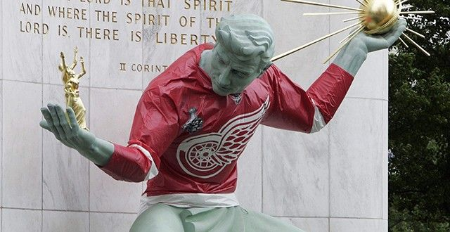 Believe it or not, we are already at the midway point of the Detroit Red Wings' 2015-2016 season. Prior to tonight's slate of games (Red Wings do not play), the Red Wings are 21-13-7, have 49 points, and are in second place in the Atlantic Division and third place in the Eastern Conference. They trail the red hot Florida Panthers by five points in the standings, but are also only five points ahead of both the Boston Bruins and the Ottawa Senators who are in play for the two wild card spots…