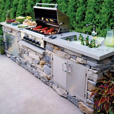 Outdoor kitchen - great summer idea!