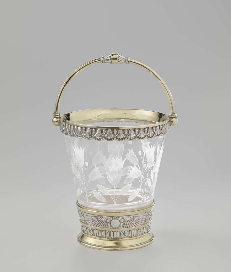 Fa. Elkington & Co. | Ice bucket, Fa. Elkington & Co., 1878 | IJsemmer van glas met monturen van verzilverd, gedeeltelijk verguld koper.