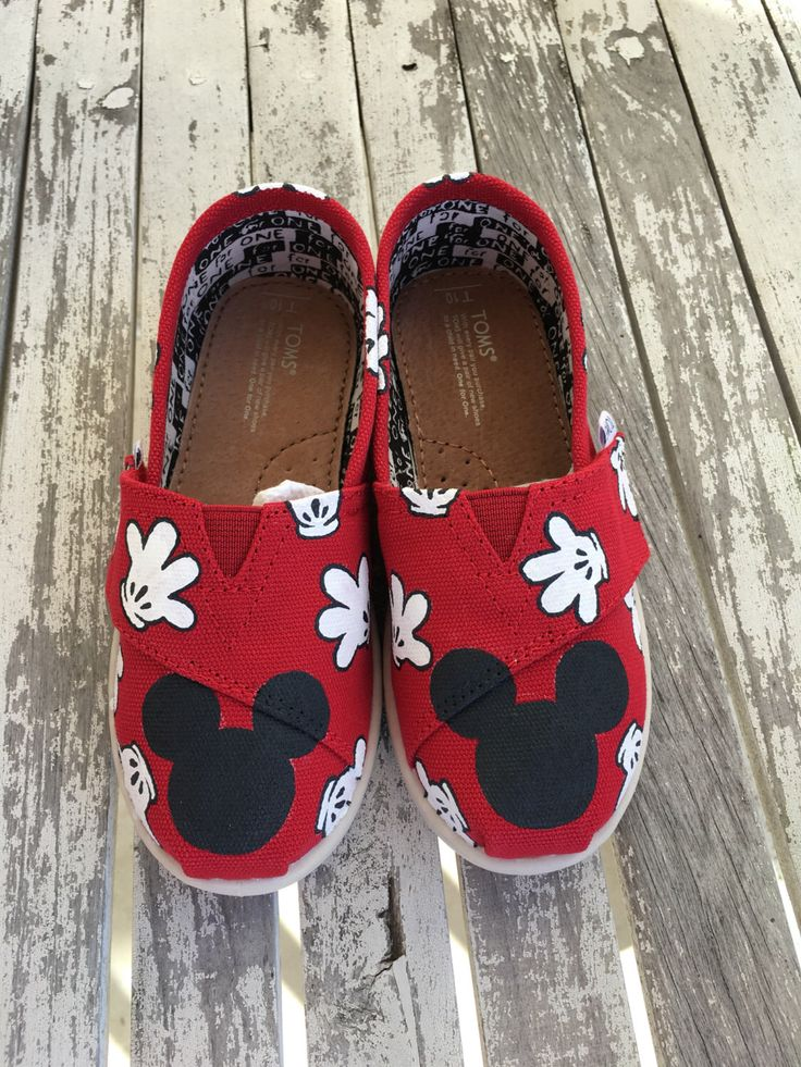 Red Mickey Mouse Glove TINY & Youth TOMS by BrittBratsCreations on Etsy https://www.etsy.com/listing/468132808/red-mickey-mouse-glove-tiny-youth-toms