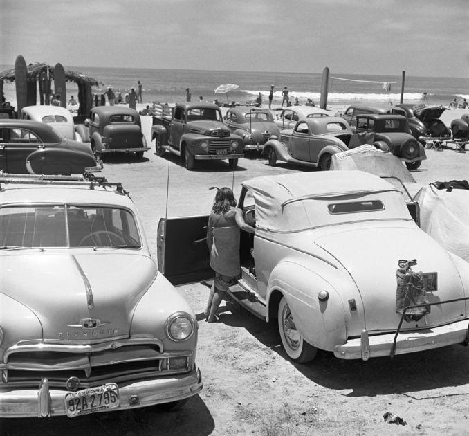 California Cool: beach life: Inspiration Life, Beaches Fun, Originals Photography, Vintage Cars, Beaches Life, Cars Lists, Beaches Parties, Old Cars, Vintage Style