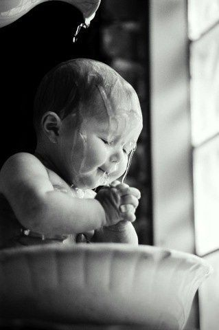 This is adorable but would be hard to replicate!  | Photography inspiration for baby's baptism