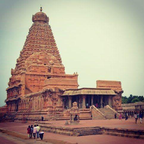 Gangaikonda Cholapuram#temple#tanjavurin clear#sky #unesco#World#heritagesite#tamilnadu .#travel#followculturaltourismhistoryofcholaperiod#globetrotters#india#indiatravelgram#skyporn#wanderers #beautifuldestinations#skypainters Gangaikonda Cholapuram was erected as the capital of the Cholas by Rajendra Chola I the son and successor of Rajaraja Chola the great Chola who conquered a large area in South India#srilanka#bangladesh Sumatra Kadaram (Kedah in#malaysia)#cambodiaand others at the…