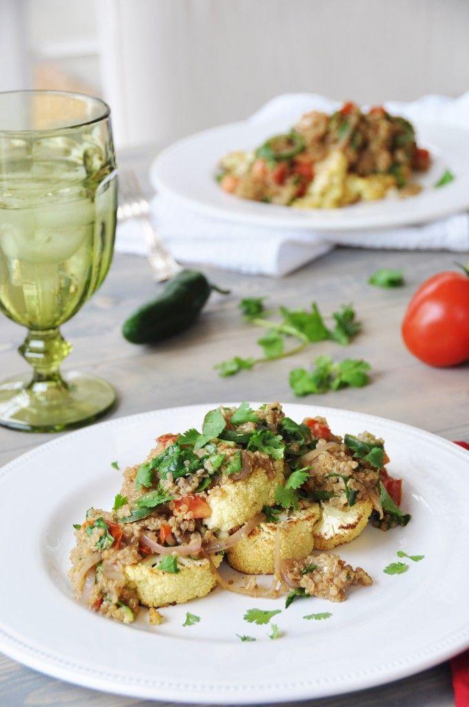 Arrosto cavolfiore Bistecche con Spicy Thai Quinoa-vegan