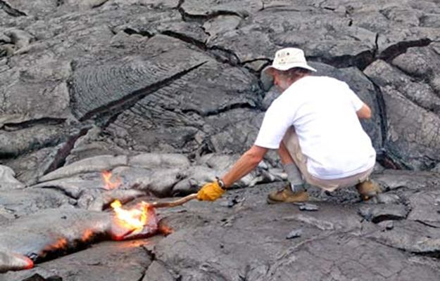 DIY Fire Starters   Unconventional Fire Starting Techniques   Enhance Your Preparedness Skills With These Clever Fire-starter Tutorials by Survival Life at http://survivallife.com/diy-fire-starters/