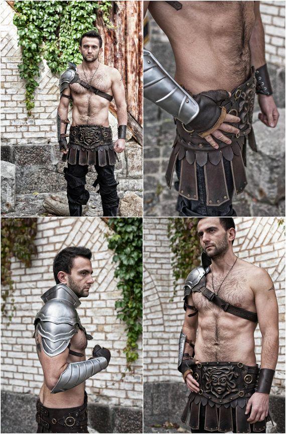 Armadura de acero hombrera de Gladiador por IronWoodsShop en Etsy