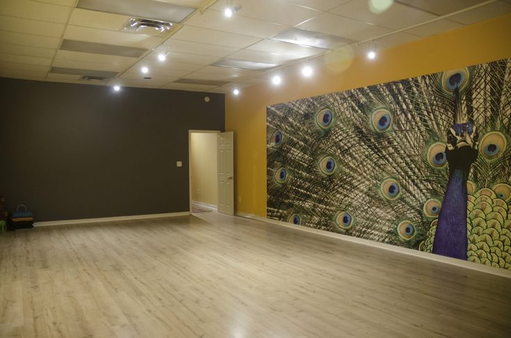 The Toronto Tabla Ensemble Centre for Indian Arts is available for regular classes and performances.  This beautiful 500 sq ft space complete with hardwood floor is open to dance (no shoes), music rehearsals and photography  Please contact us for more information on studio rental. http://torontotabla.com/studio-rental/