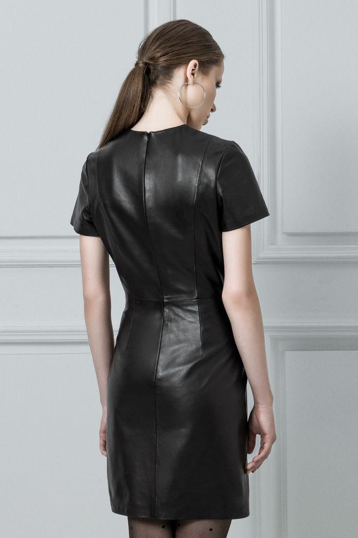 Короткие кожаные платья, новые коллекции на Wikimax.ru Новинки уже доступныhttps://wikimax.ru/category/korotkie-kozhanye-platya-otc-34456