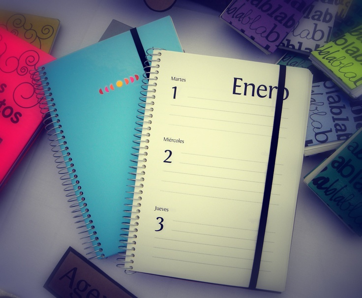 http://www.facebook.com/miraquebueno.cuadernos