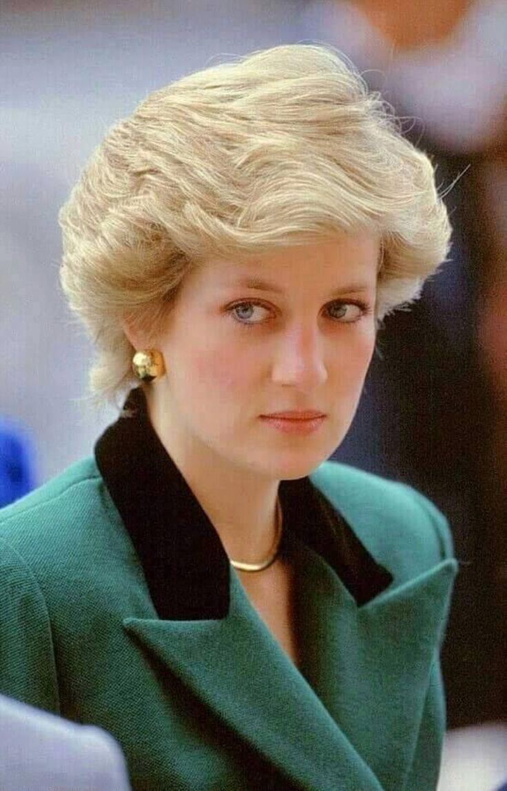 473 best Diana✴Lady in Green images on Pinterest   Princess diana ...