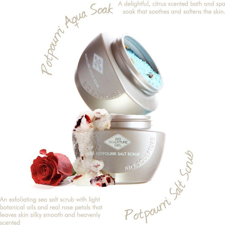 Eerst een voetenbadje met Potpouri Aqua Soak en daarna de voeten inmasseren met Potpouri Salt Scrub voor lekkere zachte voeten.