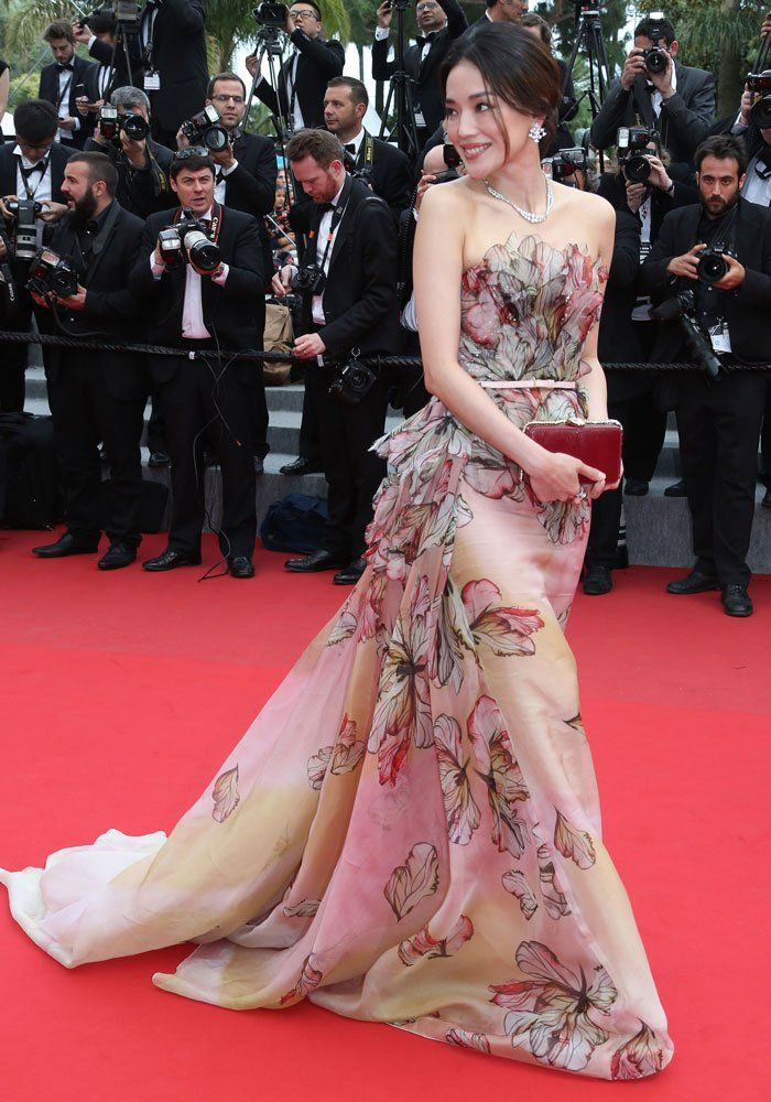 Cannes 2015 - Shu Qi in Elie Saab haute couture - Day 12 (Cannes Film Festival closing ceremony)