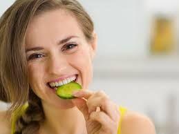 10 Manfaat Mentimun Untuk Wajah Dan Kesehatan - Mentimun termasuk kedalam keluarga tanaman yang sama dengan labu dan semangka (keluarga cucurbitacease)
