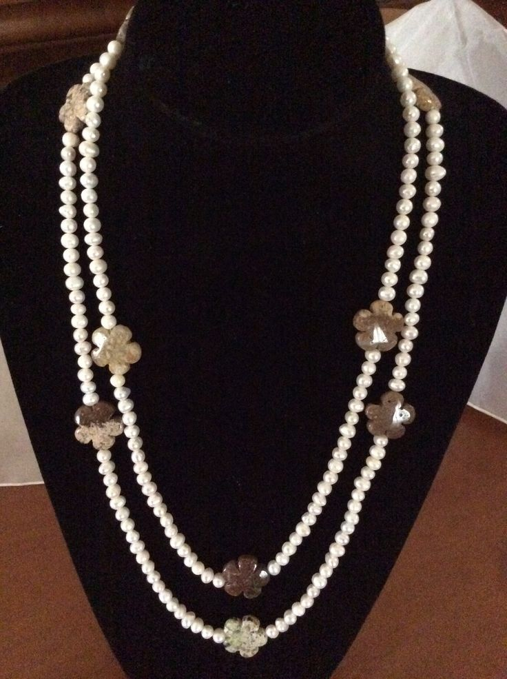 Flores de otoño en ágata para collar largo de perlas. 40€