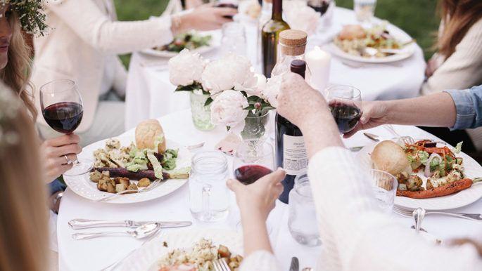 Att veta vilka etikettregler som förväntas av dig gör att du känner dig mer självsäker när du äter ute.
