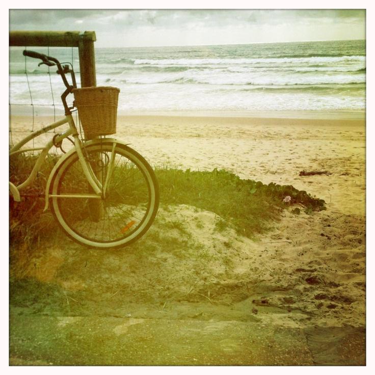 retro bike, Nobbys beach
