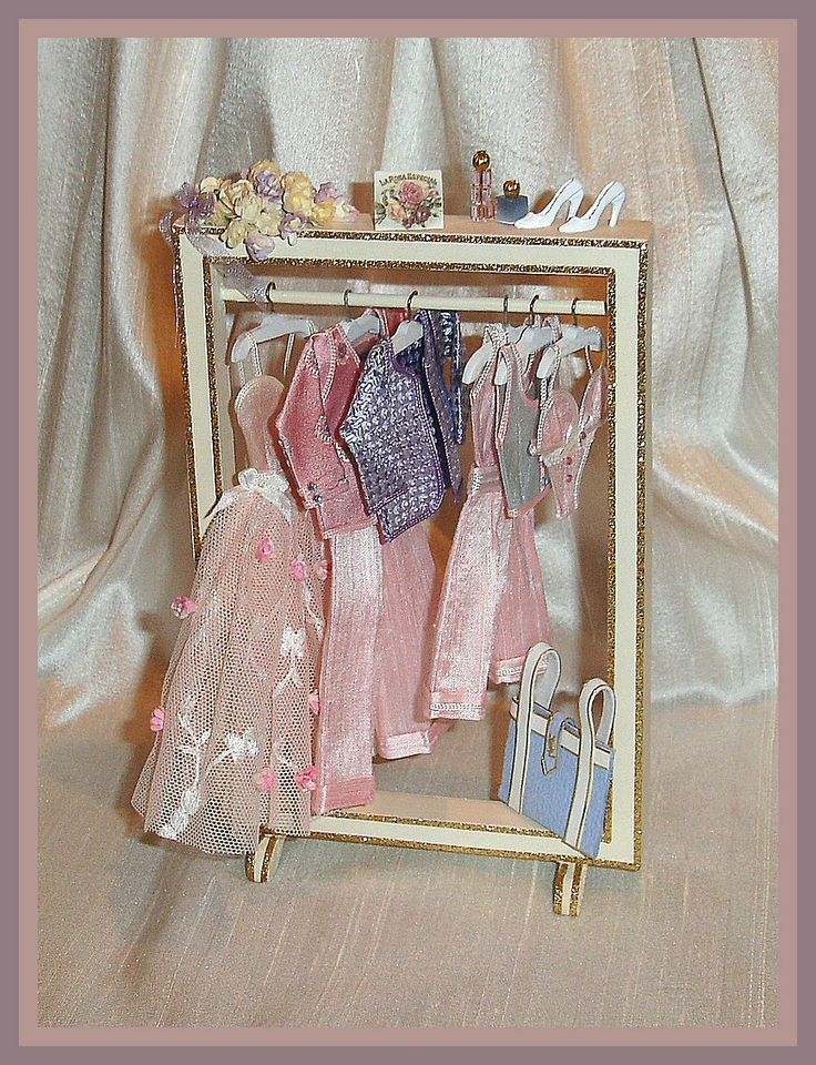 MINI DISPLAY OUTFITS - SIMPLY SILK MINIATURES