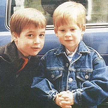 Prince William and Prince Harry such a cute pic