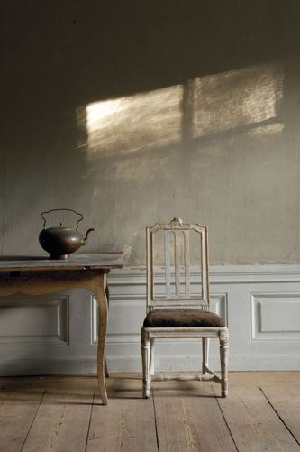 Swedish Decorating Gustavian Furniture From Lars Sjoberg [made me think it would be cool to paint faux light on a wall]