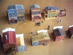 """ici, c'est un petit bijou des paper toys que vous trouverez : 15 planches, au total, pour reconstituer toute une ville western - celle de """"Cactus Junction"""", pour les passionnés, peuplée par les personnages de Lucky Luke : un régal !..."""