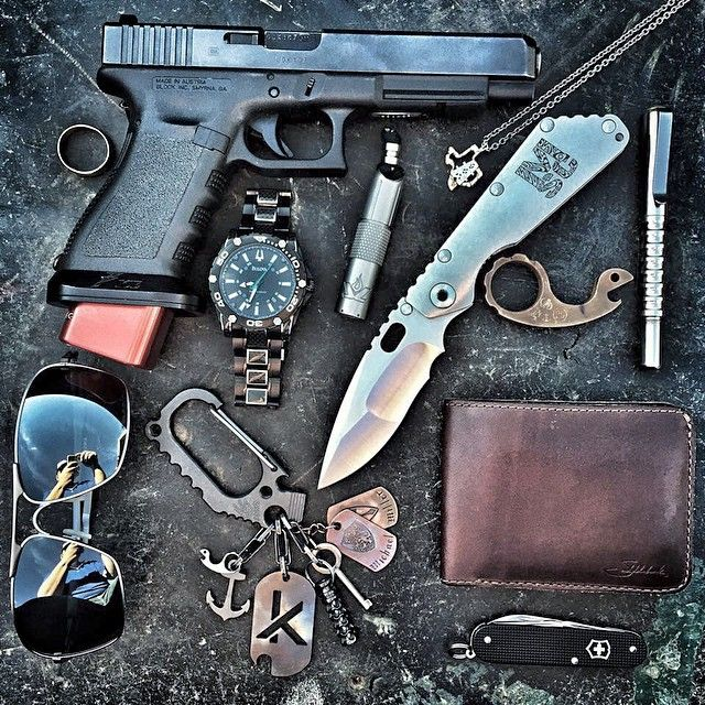 Always pack a punch and never be without light. Photo sent in by Michael Miller via our FaceBook page. If you don't already, head over and give us a 'Like' #LensLight #strider #striderknives #edc #pistol #firearm #usa #americanmade #lEd #flashlight