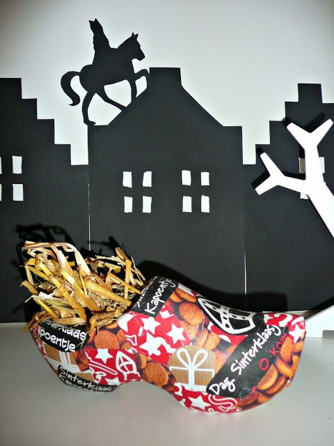 Thuis is waar je hart ligt: DIY: Klompje beplakken met inpakpapier