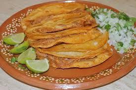 Tacos de barbacoa hechos en casa, imitan al estilo y el sabor típicos a los tacos de babacoa.