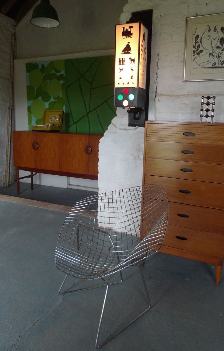 Bertoia diamond chair vintage - Harry Bertoia Diamond Chair C1960 In Great Vintage Condition Steel Mesh With Chrome Finish In Stock