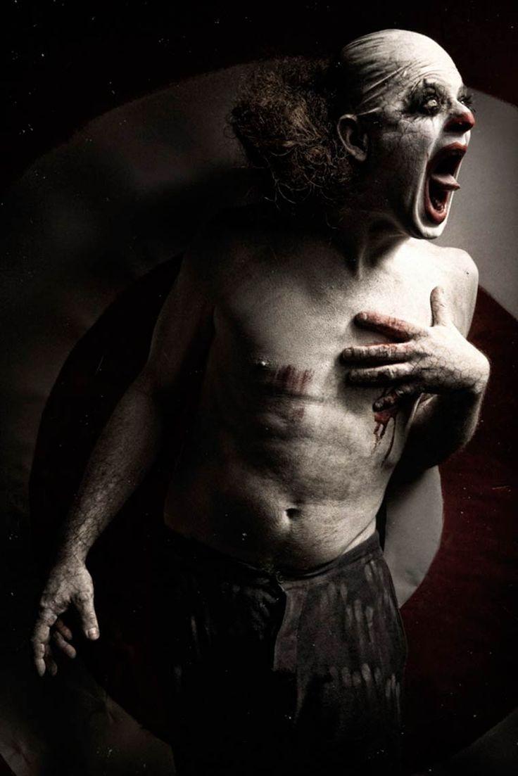 Clownville – Les portraits de clowns angoissants du photographe Eolo Perfido