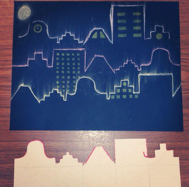 Een donkere stad.  Knutsel/tekenopdracht bovenbouw. Uit karton een mal knippen. Deze op zwart papier/karton leggen en overtrekken met (bord)krijt. Als je het karton vervolgens omdraait krijg je de huizen op een andere volgorde. De krijt naar boven uitwrijven voor lichteffect. Raampjes tekenen met geel of wit potlood.