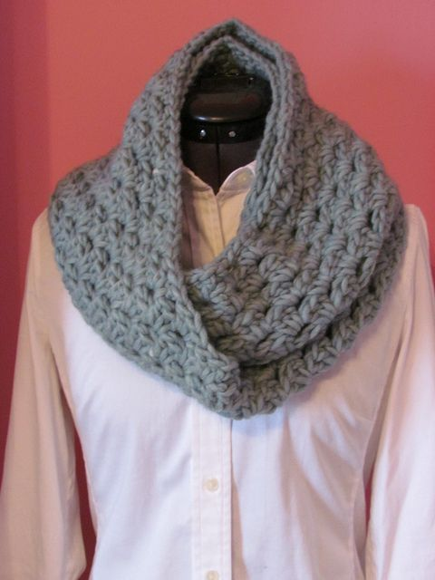 Crochet Pattern For Cowl Scarf : Cowl pattern Crochet - Scarves and winter accessories ...
