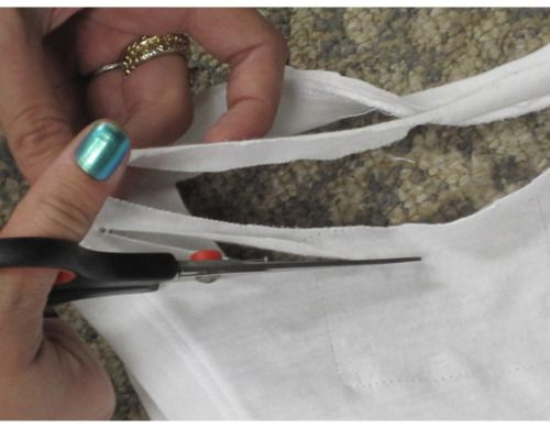 """diyprojects: """" """" I like to sew, but I love a simple no sew refashion and this one fits the bill. Got tank and ten minutes?"""