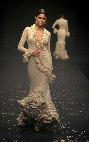 Traje de Flamenca - Diseño Viky Martin Berrocal / Spain