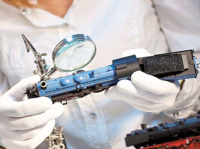 O fabrică din Arad în care lucrează 225 de oameni produce trenuleţe electrice care ajung în 42 de ţări   Ziarul Financiar