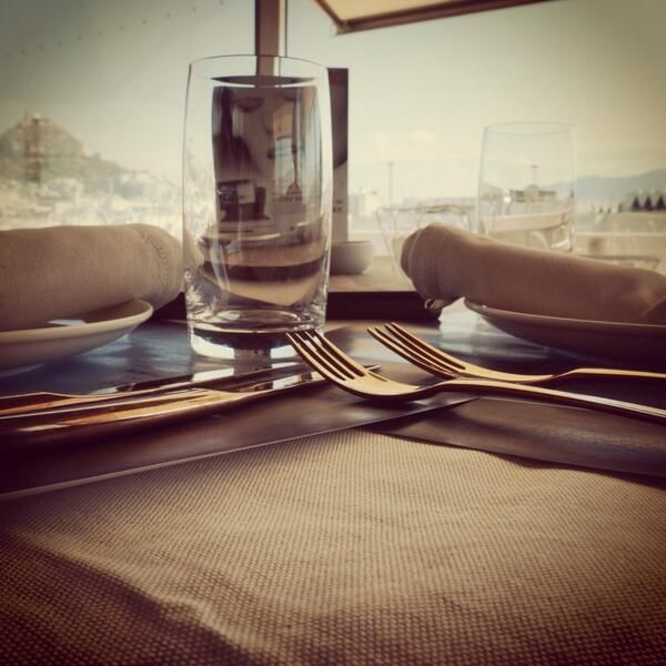 Take a look at your lunch or dinner from another perspective. Visit the #ArtLounge at #NewHotel