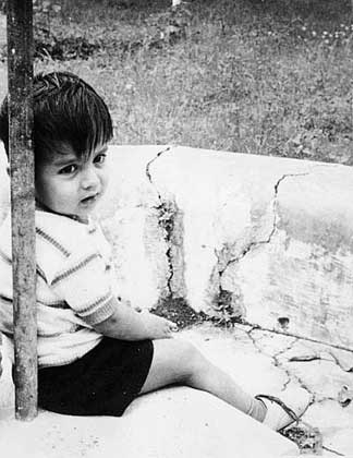 A rare picture of a young Rahul Dravid. Did he have batting on his mind then?