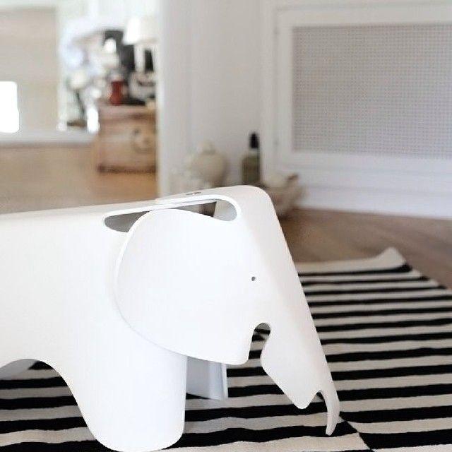 Elephant Eames blanc pour chambre d'enfant / kids room