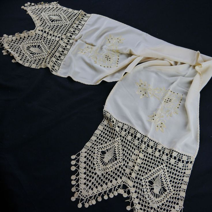 SILK TABLE RUNNER WITH EMBROIDERY AND HANDMADE LACE CROSHET 43