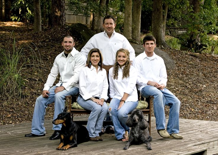 Outdoor family portrait by Darrah Photo