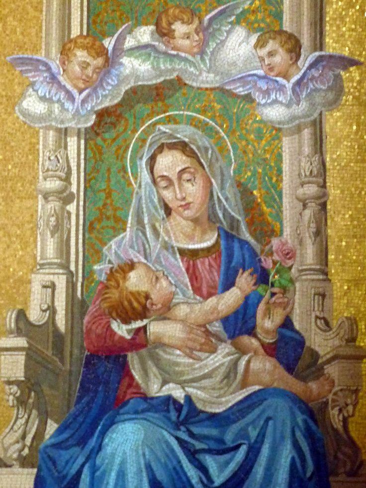 Magnífico mosaico que decora uma das paredes do SAntuário Basílica de Nossa Senhora de Nazaré, em Belém