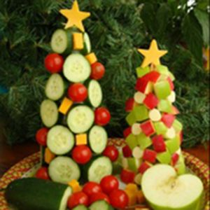Healthy Holiday Tree and more of the best healthy Christmas recipes on MyNaturalFamily.com #christmas #recipe