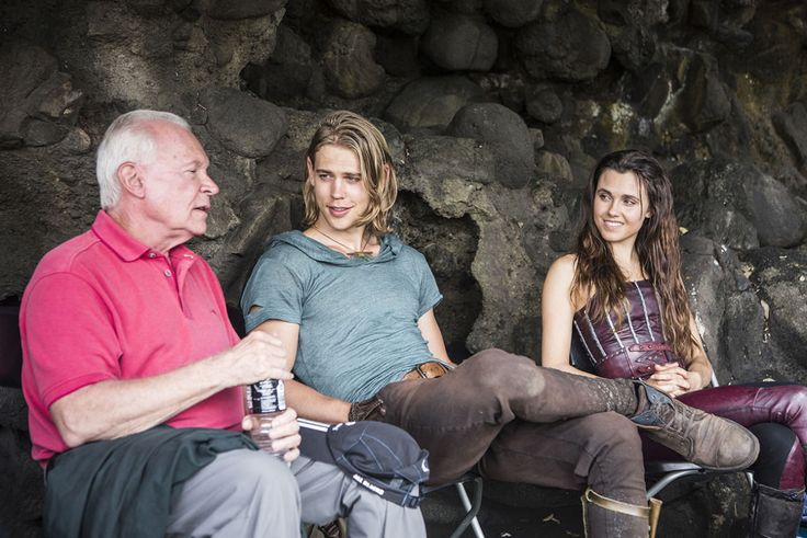Austin Butler and the Elven Princess chat with the author of the Shannara books.