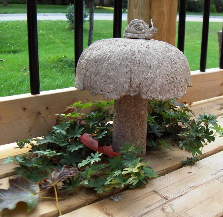 Small snail  atop of large mushroom: Garden Ideas, Garden Delights, Garden Art, Crafts Mixture, Current Project, Garden Gadget S, Container Gardening
