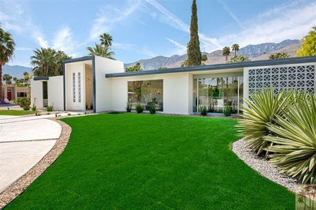 60's house in Palm Springs...... LOVE