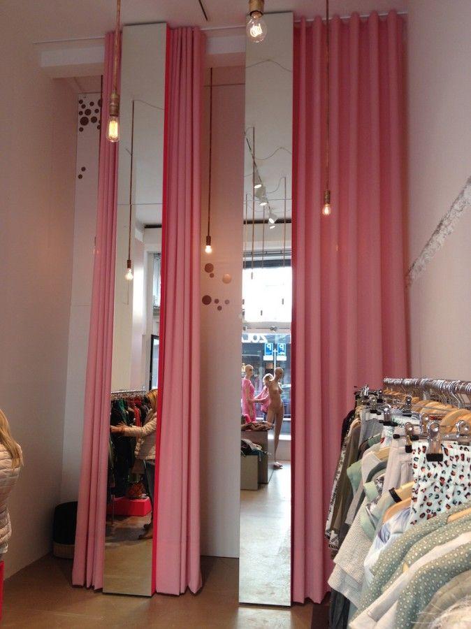 Winkelinrichting Zola, Rotterdam - Alida curtain makers Winkelinrichting Gordijnconfectie met wave door Alida Curtainmakers Stof uit de KEES Collection