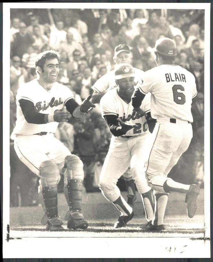 Paul Blair's bunt wins Game 1 of ALCS (1969)