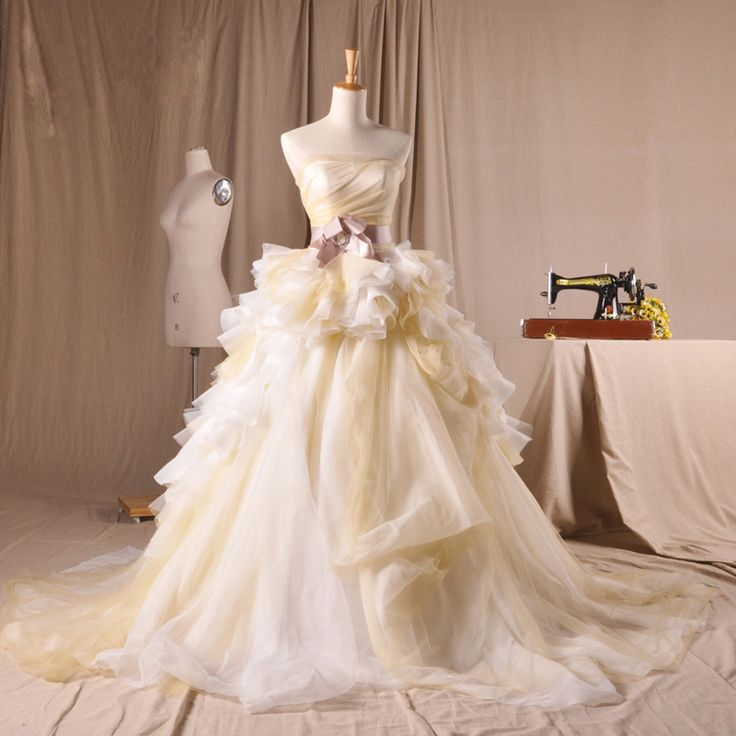 Strapless Princess pretty bridal gown