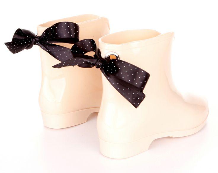 beige / nude wellies with black ribbons / white polka dots / wellingtons, rubbers, kalosze / www.gummiestore.com