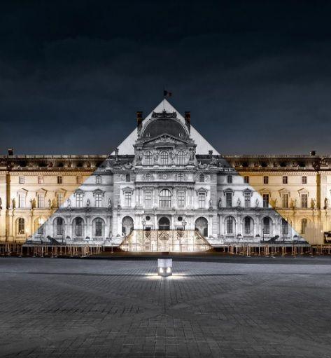 JR et la Pyramide du Louvre by night